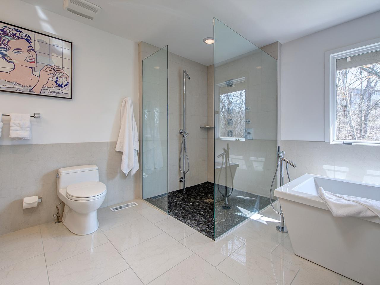 Use These Bathroom Decorating Ideas For Your Home: When To Use Tempered Safety Glass