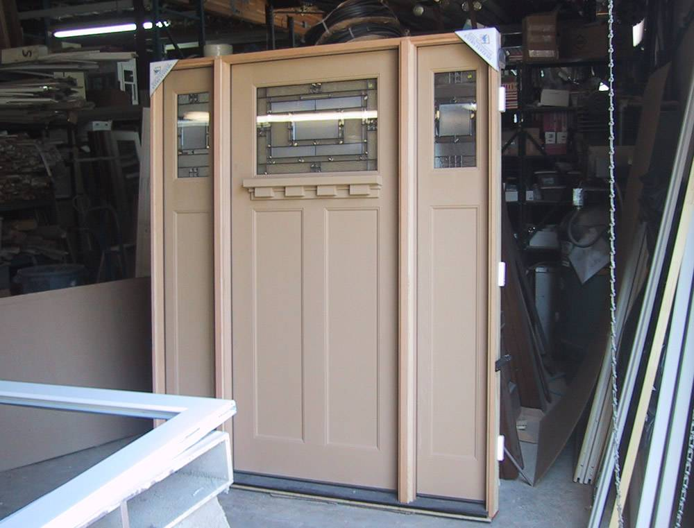 Entry prehung craftsman fiberglass door with 2 sidelights for Fiberglass entrance doors